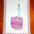 Carte d'anniversaire: gâteau d'anniversaire avec bougie en empreinte de main
