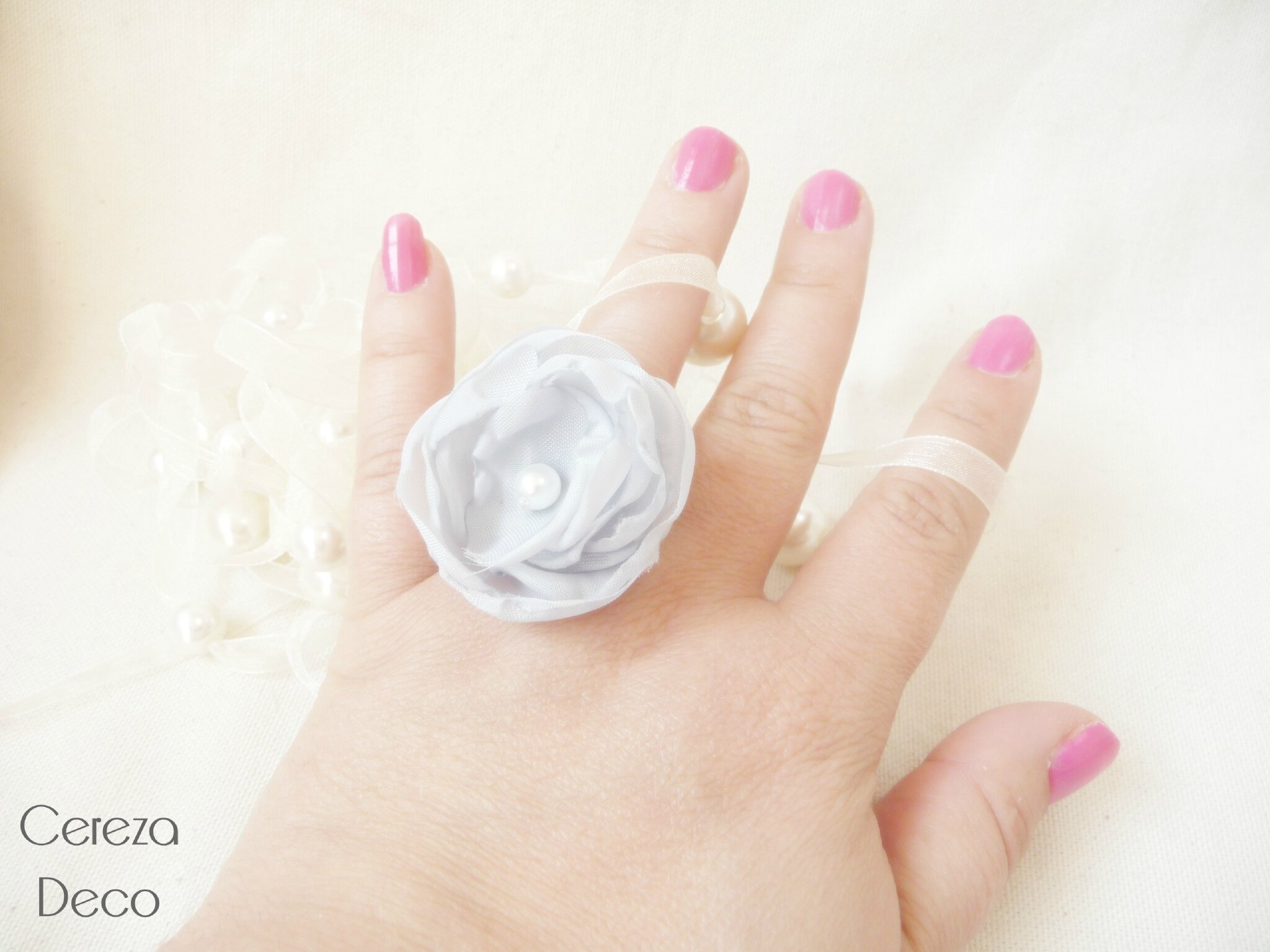 bijou mariage gris blanc bague fleur cadeau témoin cereza deco