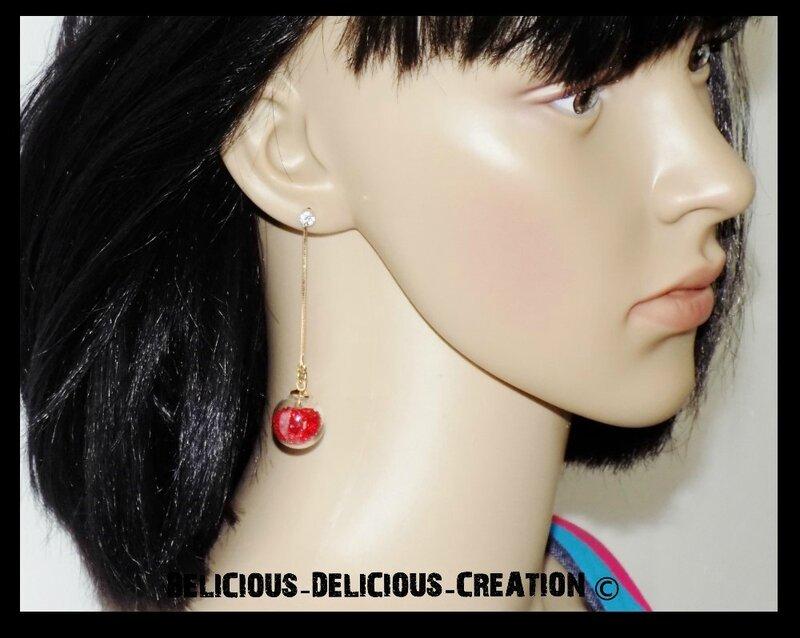 Boucles d'oreilles !! BUBBLE CHAIN !! en metal et Verre garnie de perles rouge T: 6.5cm long BELICIOUS-DELICIOUS-CREATION