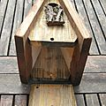 Nichoir triangle (25€) ouverture par le dessous