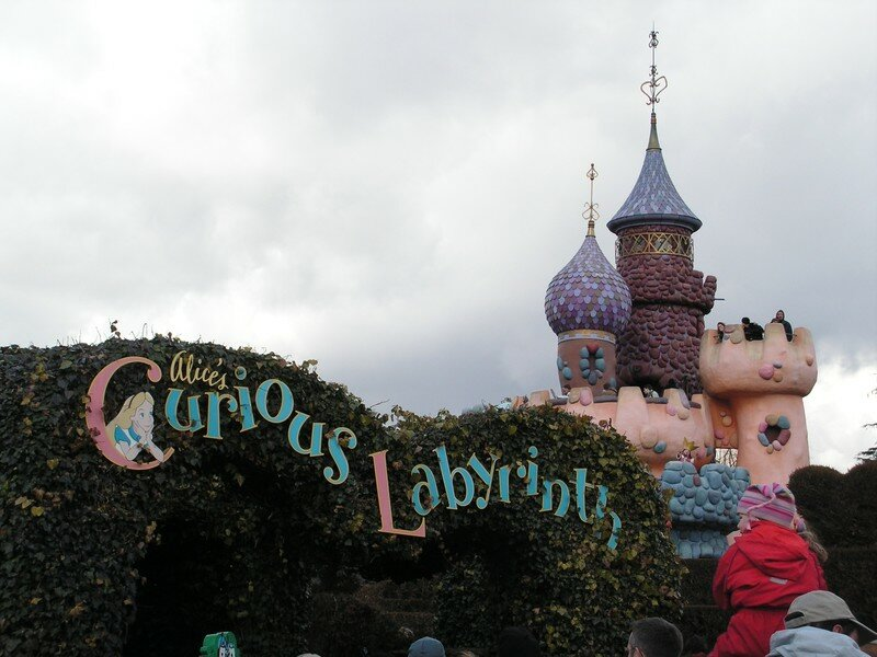 Le Labyrinthe D Alice Photo De Disneyland Paris Du 27