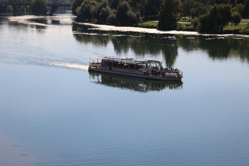Bateau mouche sur la Garonne