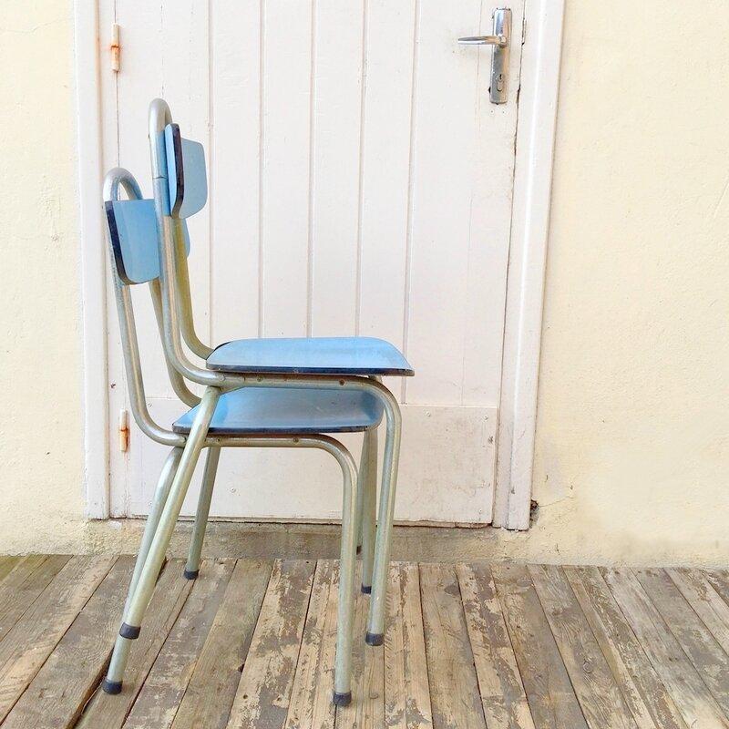 chaise formica bleu