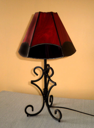 lampe rouge, six faces