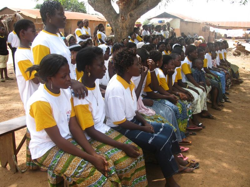 les couturières de l'ONG de kambolé
