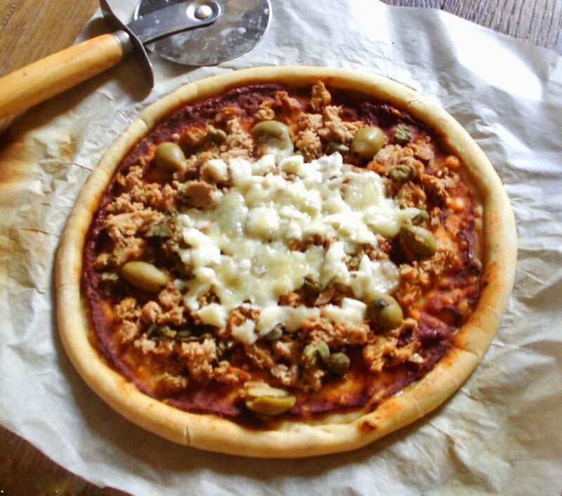 pizza au thon olive mozzarella et câpres