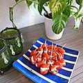 Brochettes apéritives fraises/tomates cerises/chèvre frais