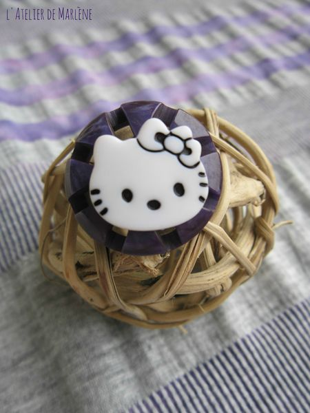 bague kitty violette