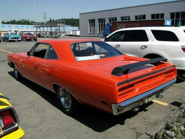 plymouth road runner coupe 1970 b