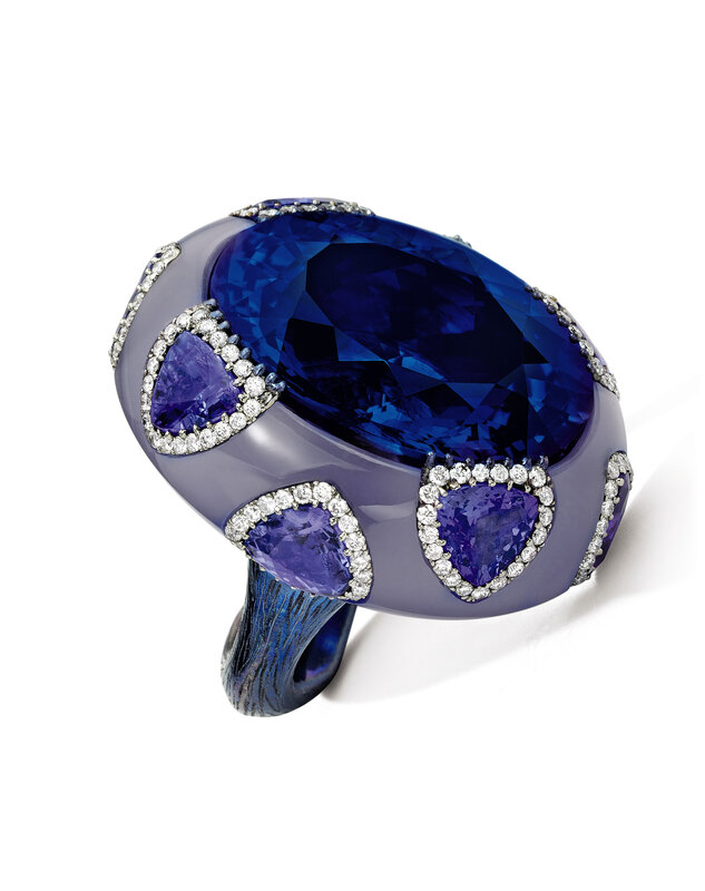 Lot1737_Wallace Chan_Tanzanite, Chalcedony and Diamond Ring_038LHK0817_fpb