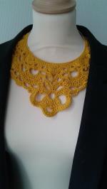 collier jaune (1)