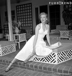 ph_leaf_marilyn_566783_le_style_des_blondes_iconiques_marlyn_637x0_3