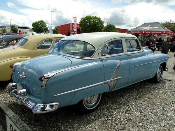oldsmobile super 88 4door sedan 1952 d