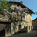 Pérouges ruelle printemps_8147