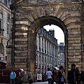 La Porte Digeaud s'ouvrant sur la Place Gambetta