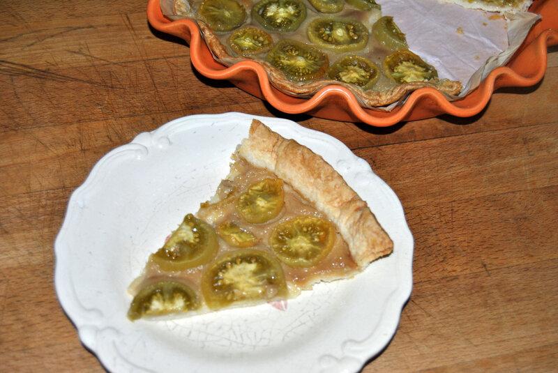 Tarte sucrée à la tomate verte