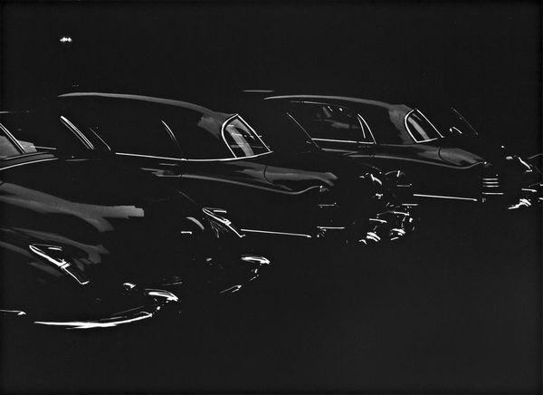 Park-Avenue-Garage-Hotel-Marguery-photo-by-Louis-Faurer-1950