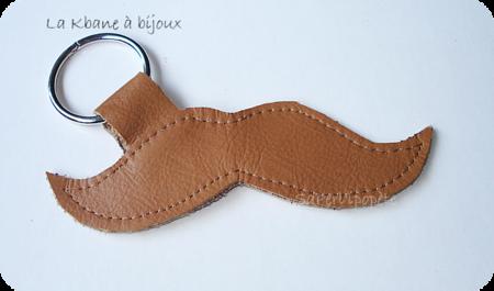 porte clef moustache cuir marron