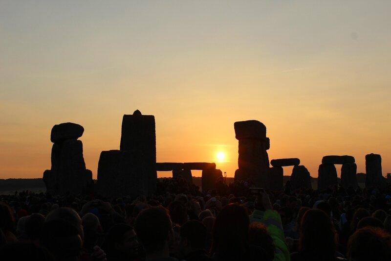 Stonehenge Eclipse 2014 soleil levée