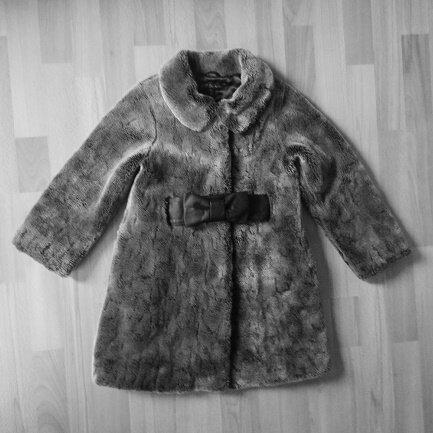 *Manteau nounours, ceinture noeud, 8 ans