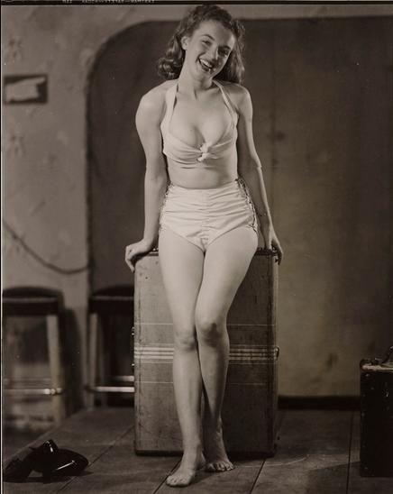 pin up 1946