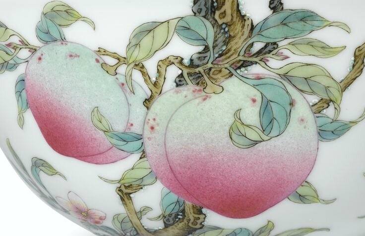 An extremely rare and superbly enamelled pair of Famille-Rose 'Peach' bowls, Marks and period of Yongzheng (detail)