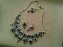 collier hindia gris et BO