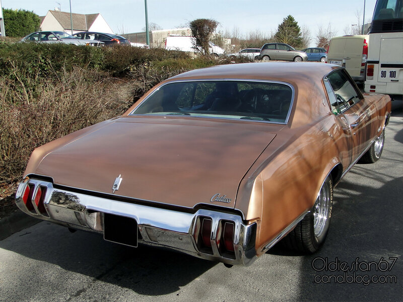 oldsmobile-cutlass-supreme-holiday-coupe-1970-02