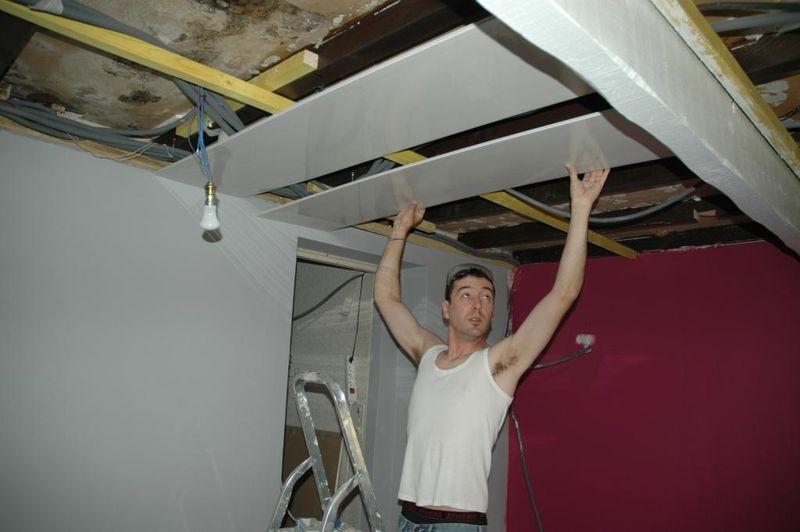 Un plafond qui brille le blog de pozzynette - Lambris pvc cuisine ...
