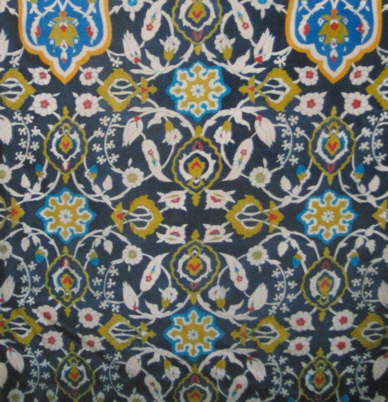 N°22- Gutta bleue sur pongée
