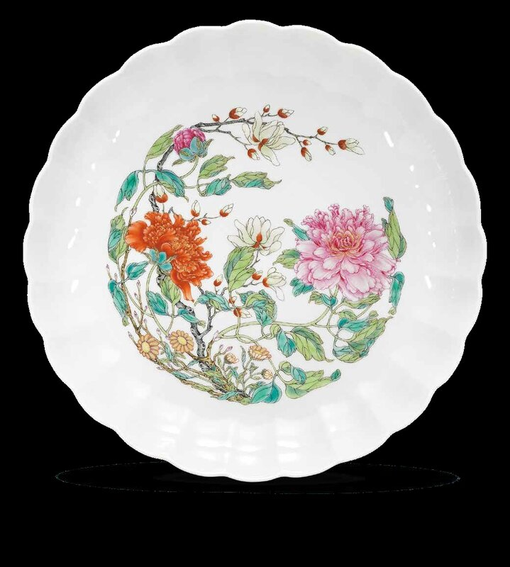 A fine and very rare famille rose chrysanthemum dish, Yongzheng six-character mark in underglaze blue within a double circle and of the period (1723-1735) (2)