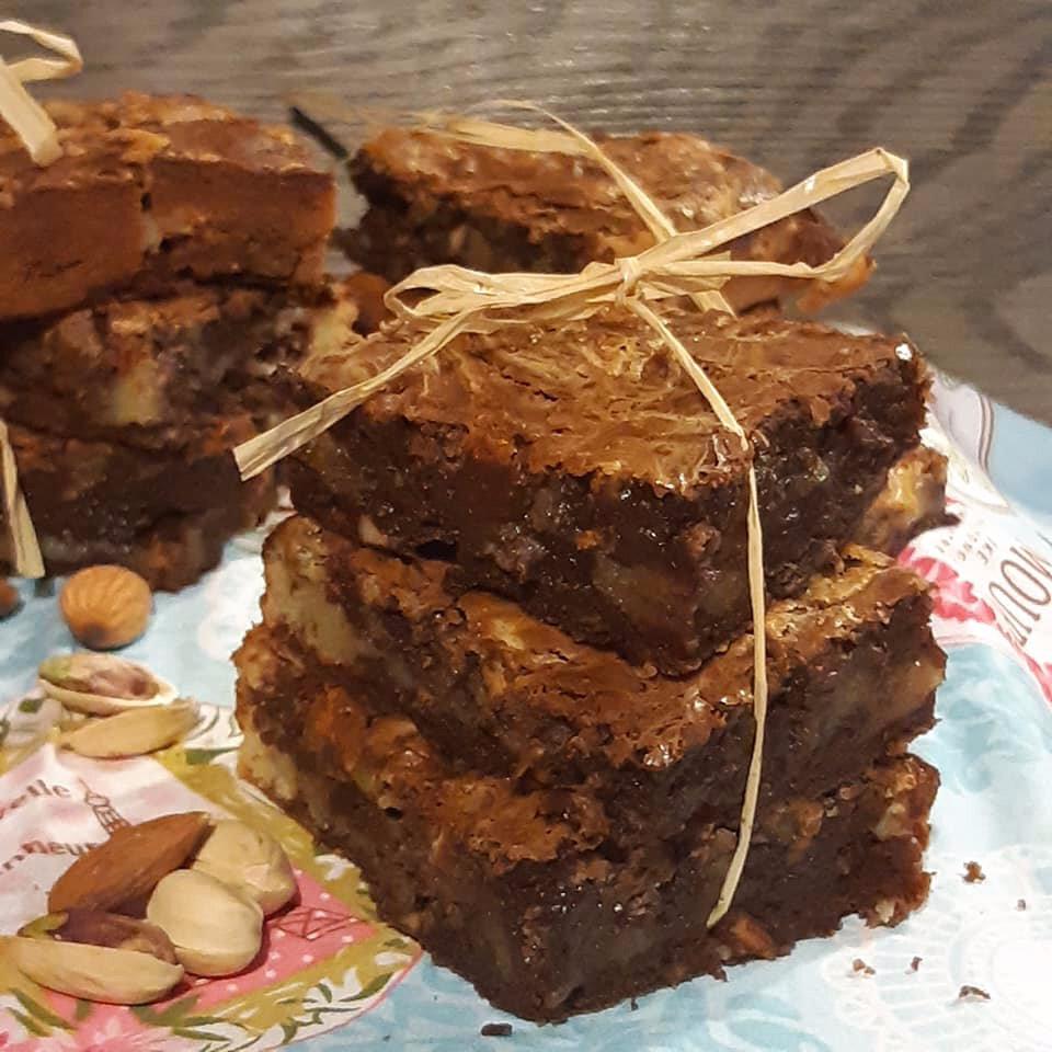 """ღ """" MIAM """" Brownie marbré aux fruits à coques"""