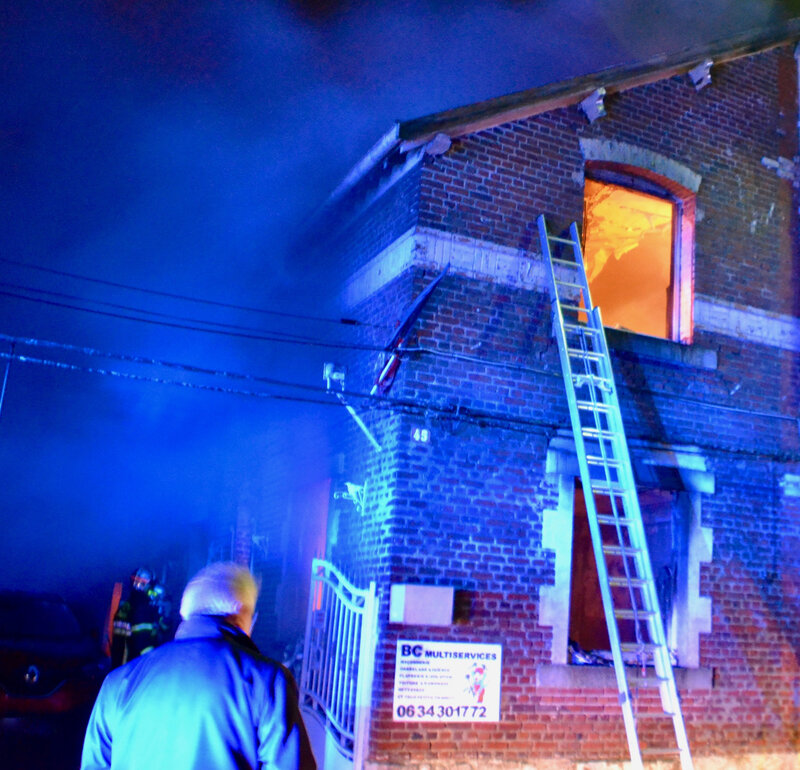 INCENDIE RUE CAMILLE GRISOT 2019 fenêtre flammes