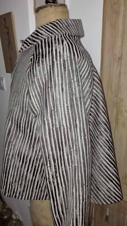 Veste VICTORINE en toile polyester zébré - doublure de satin noire (2)