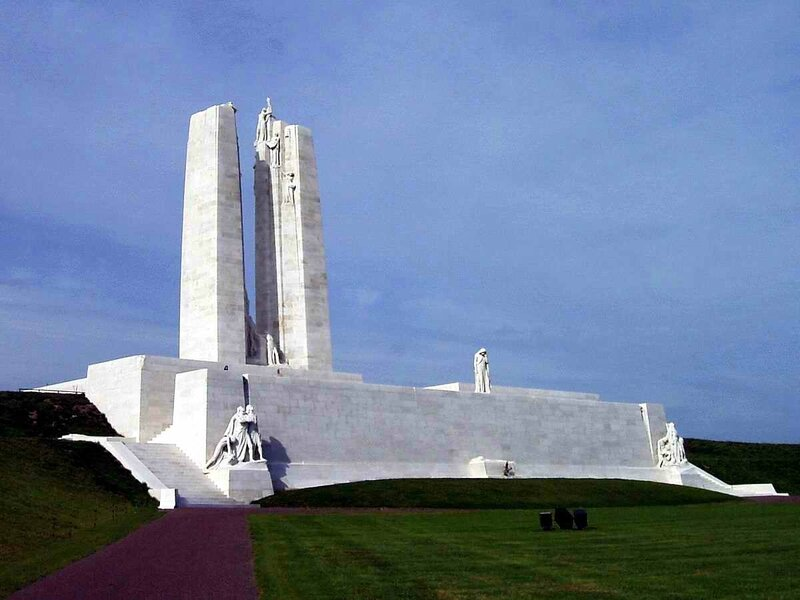 Vimy_Memorial_(September_2010)_cropped