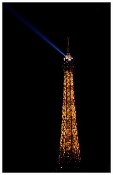 Paris tour Eiffel nuit 181212