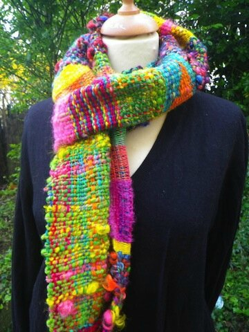 echarpe-echarpe-tissee-multicolore-en-lai-8124851-imgp3187-fd917-43b46_570x0