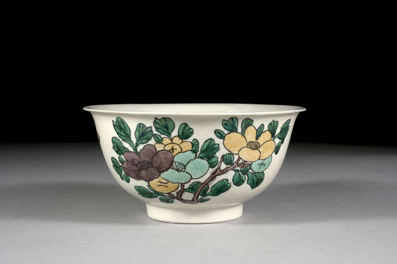 A famille verte porcelain bowl, Qing dynasty, Kangxi mark and period (1662-1722)