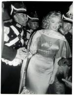 1957-MONROE__MARILYN_-_PRINCE_AND_SHOWGIRL_PREMIERE529