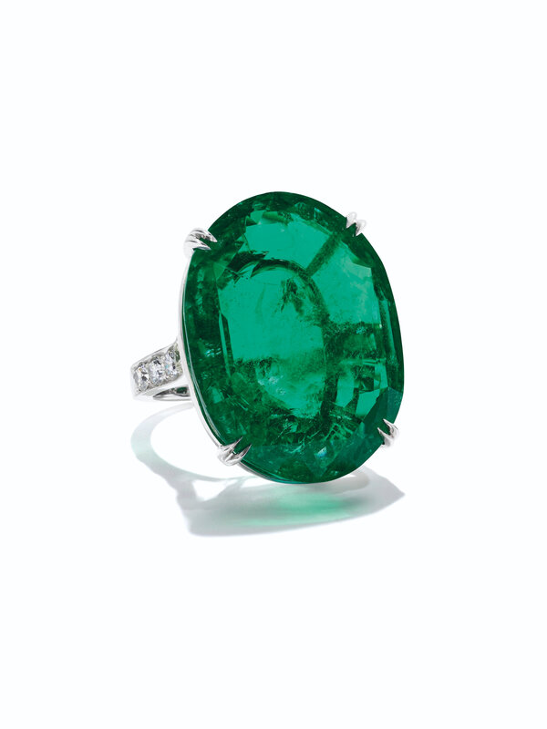 2020_NYR_18990_0059_001(an_important_emerald_and_diamond_ring)