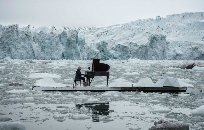 648x415_in-this-undated-photo-provided-by-greenpeace-spain-italian-composer-and-pianist-ludovico-einaudi
