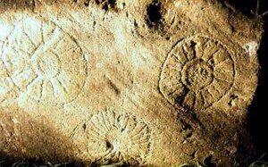 Newgrange_Dowth_pierre_2a