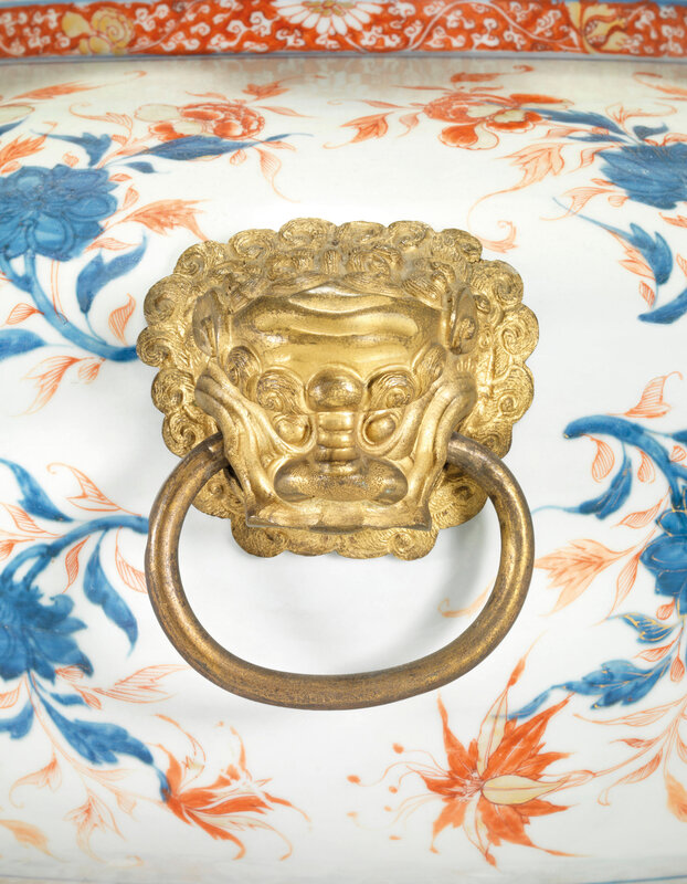 2019_CKS_17726_0051_002(a_pair_of_chinese_verte-imari_armorial_wine_coolers_for_the_portuguese)
