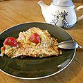 Gâteau de crèpes à la rhubarbe et aux fraises