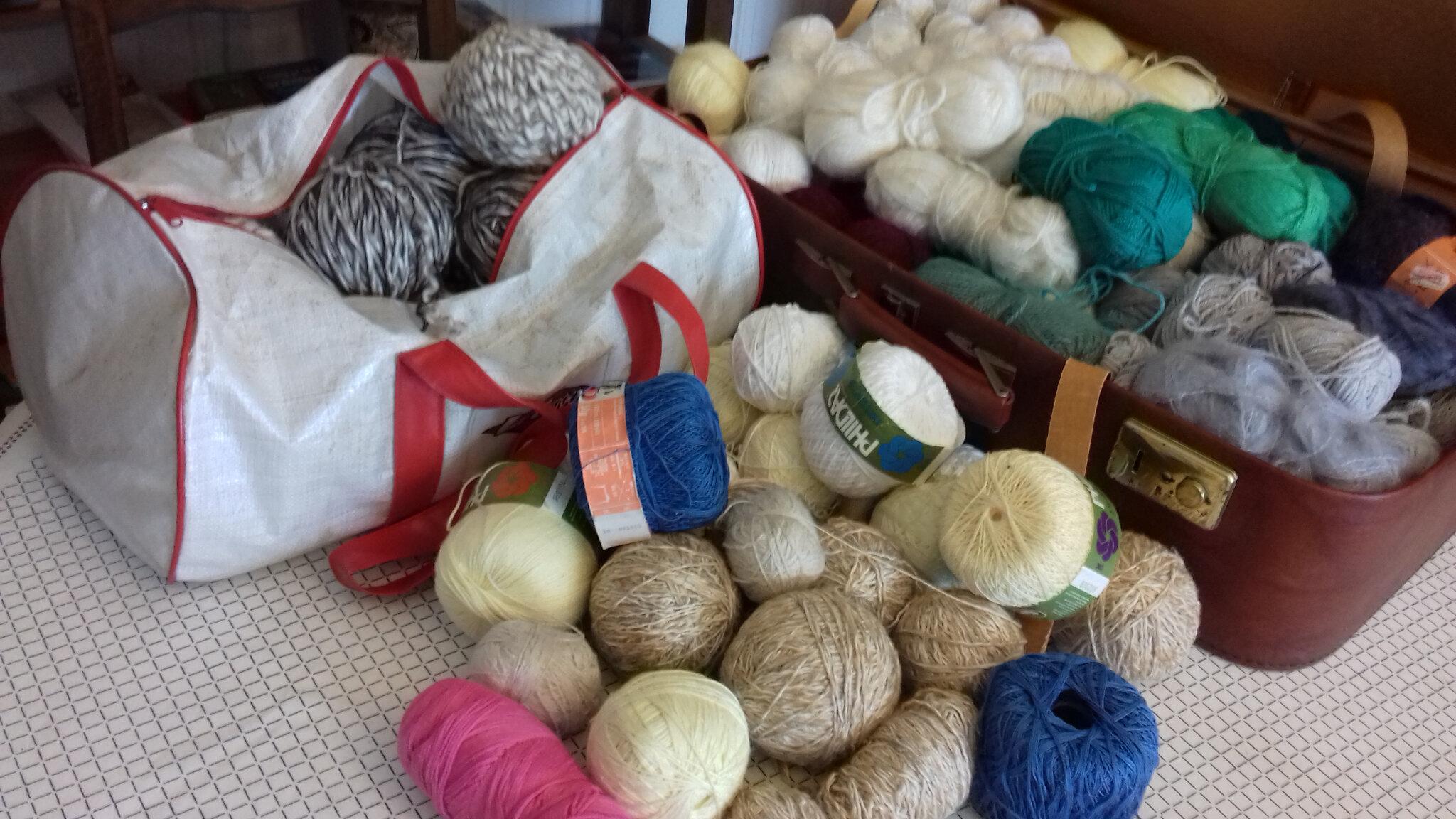 Dons de pelotes de laine