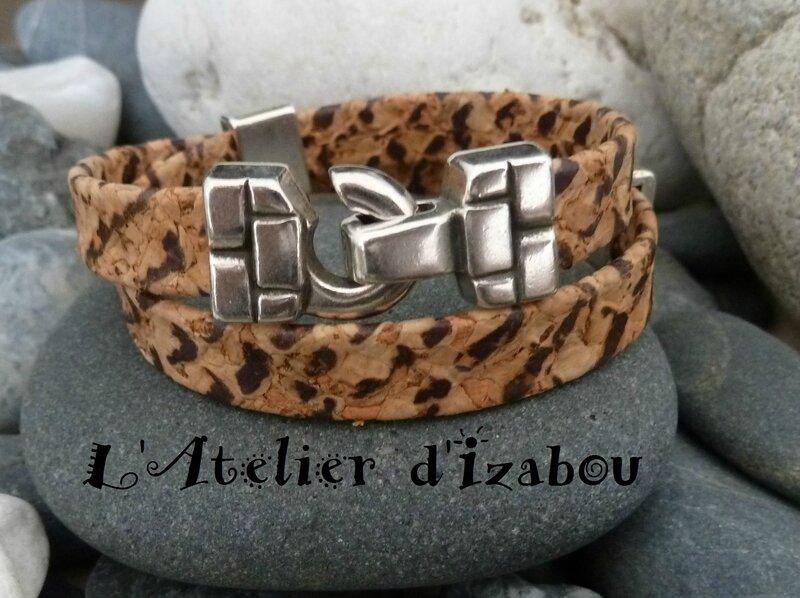 P1180679 Bracelet cuir aspect liège motif léopard et fermoir crochet, passants assortis