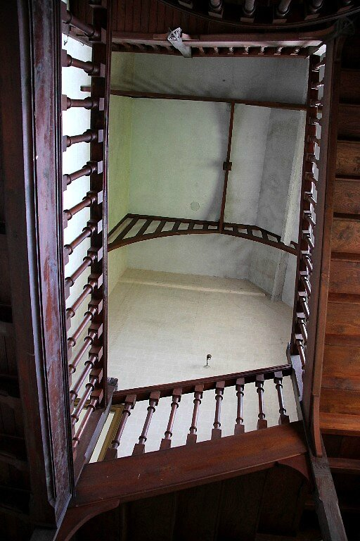 8-Bretagne, Manoir (escalier)_6399