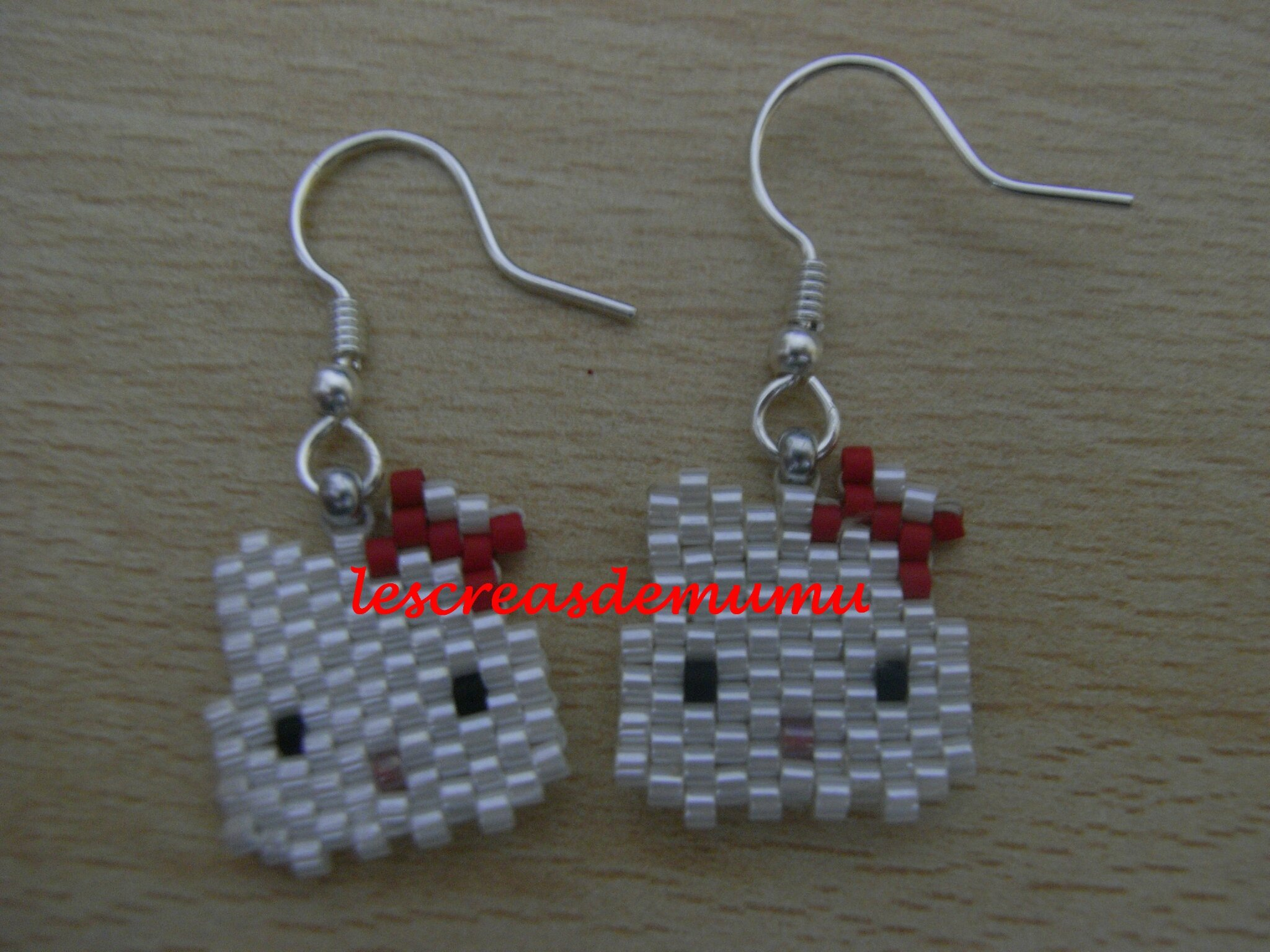 Boucles oreilles Hello Kitty