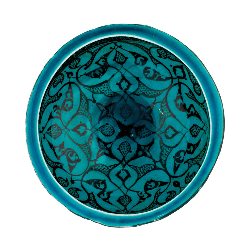 2021_CKS_19777_0004_000(a_kashan_turquoise-blue_glazed_pottery_bowl_central_iran_12th_century012849)