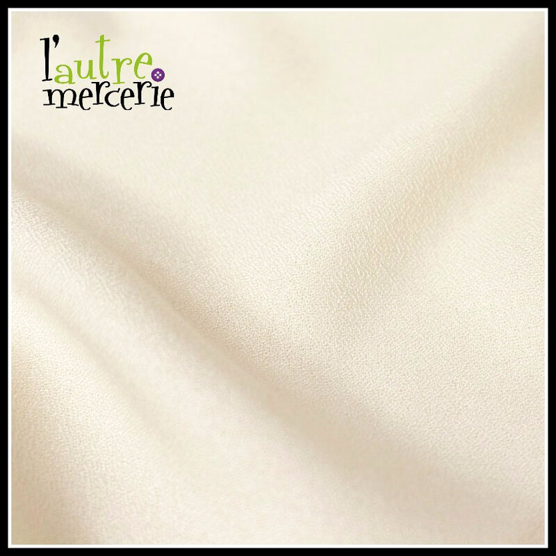 tissu-crepe-off-white